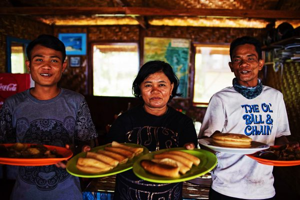 Serving Food - Locals Simeulue Island - Luxury Resort Simeulue Island