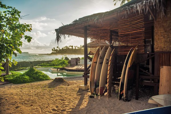 Simeulue surflodges surfcamp indonesia