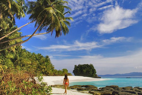 Girl on Beach Simeulue - Beach Resort Simeulue Surflodge